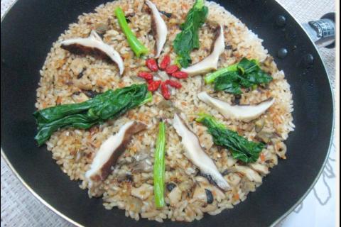 乾しいたけと根菜のパエリア(フライパンひとつで簡単!)   レシピ追加しました♪